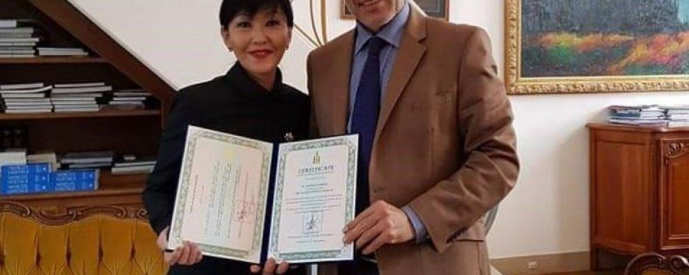 Испани Улс дахь Монгол Улсын Соёлын элчээр Д.Мэндмаа тодров