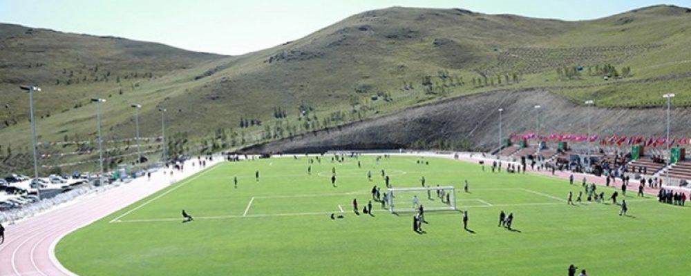 Нийслэл хот шинээр хөнгөн атлетик, хөлбөмбөгийн талбайтай боллоо